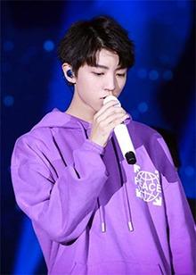 王俊凯十八岁成人礼生日会精彩汇总 新歌《焕蓝·未来》首唱