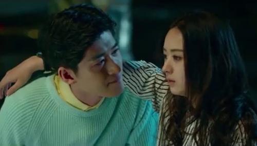 《女汉子真爱公式》片段:张翰为赵丽颖广场唱