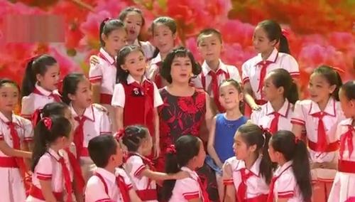 鞠萍姐姐《妈妈教我一支歌》